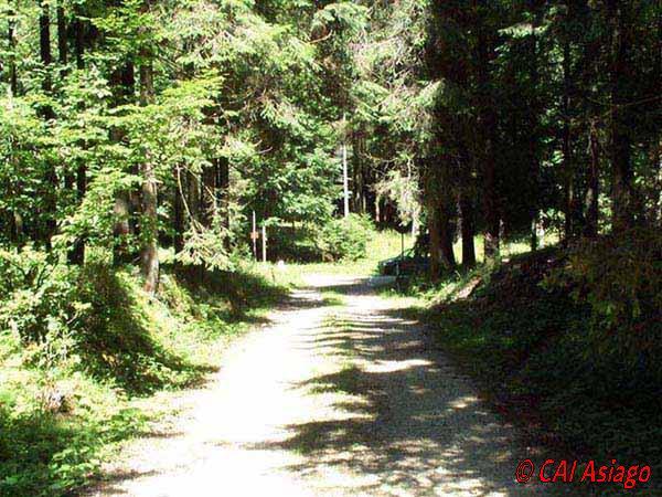 Inizio sentiero a Rogabisa